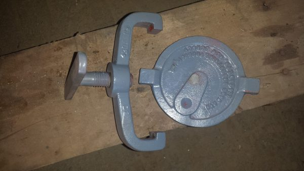 "1 1/2"" Hayward iron strainer. needs basket"